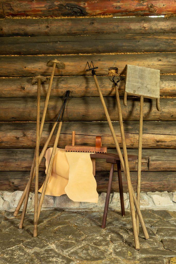 Garbarnia - skansen Chorzów - narzędzia garbarza