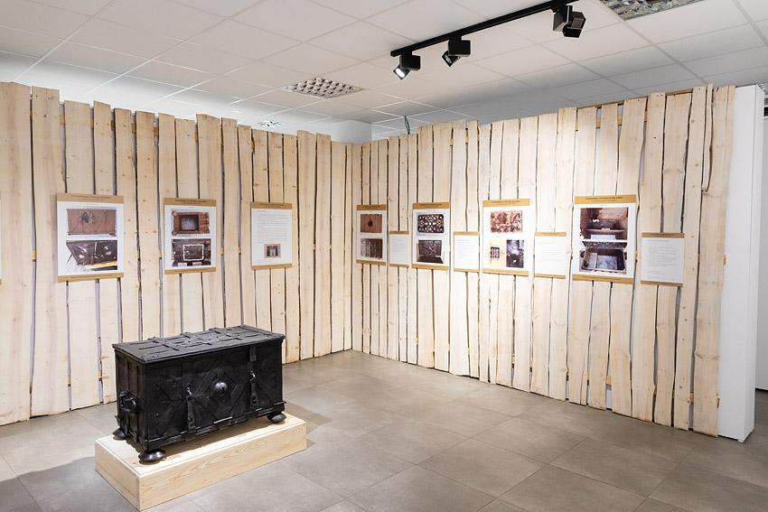 Konserwacja żelaznej skrzyni - Skansen Chorzów